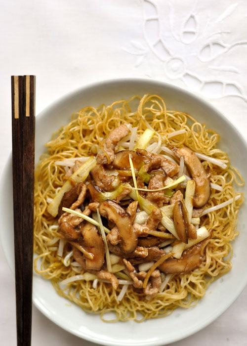 Cantonese Fried Noodles with Shredded Pork