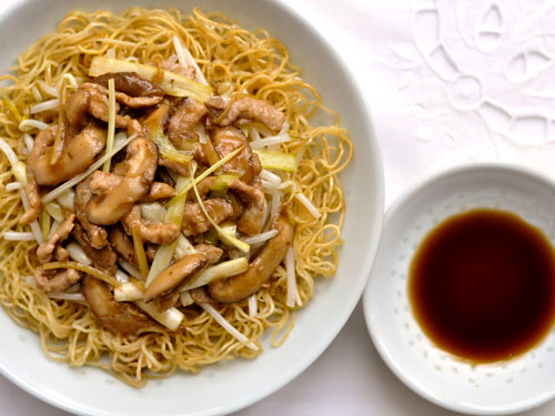 Cantonese Fried Noodles with Shredded Pork: Guest Post on Rasa Malaysia