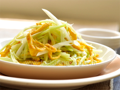 Celery and Egg Shreds with Vinegar Miso Sauce