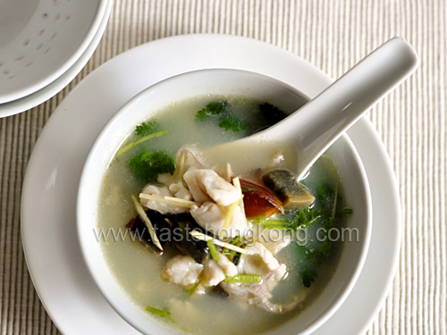 Coriander Soup with Century Egg and Fish Fillet – for Curing Sore Throat?