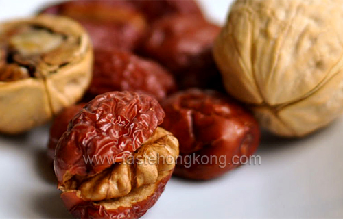 Stuffed Red Date with Roasted Walnut