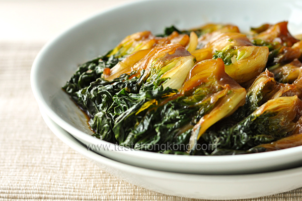 Braised Bok Choy, a Simple Shanghainese Dish