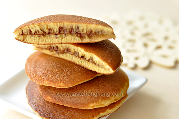 Dorayaki, the Japanese Sweet Pancake