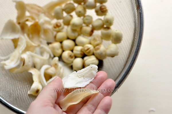 Lotus seeds and a sweet soup hong kong food blog with recipes dried lily bulb petal mightylinksfo