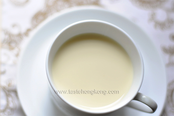 Homemade Soy Milk from Scratch
