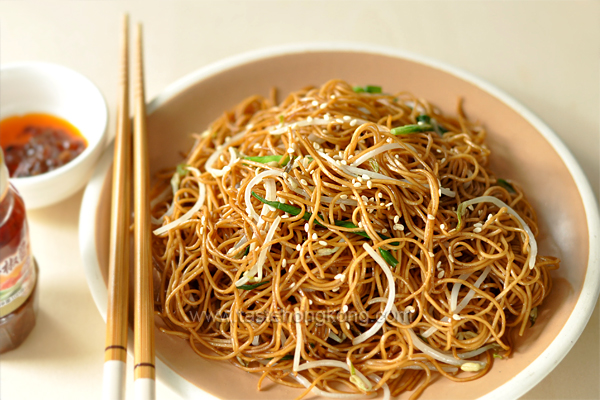 Soy Sauce Fried Noodles aka Chow Mein