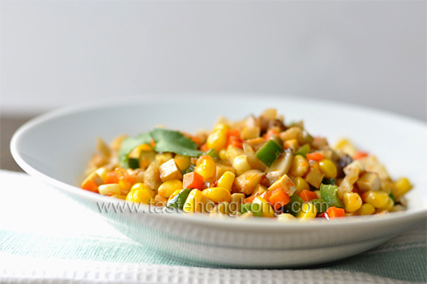A Dish Made of Colors – Vegetarian Stir-Fried Corn