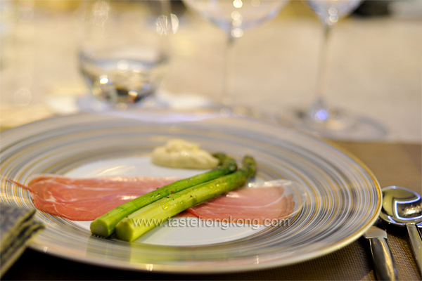 Steamed Asparagus, served with Parma Ham and Hollandaise Sauce