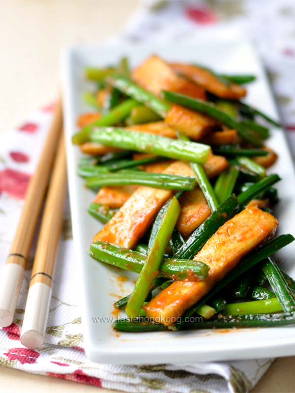 Chinese Garlic Chive with Dried Tofu