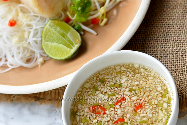 Lime and Garlic Sauce for Rice Noodles, Thai Style