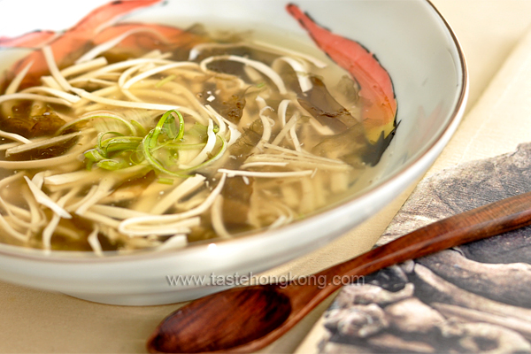 Tofu Noodle Potage, a Chinese Vegetarian Soup