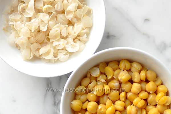 How to Skin Chickpeas (Garbanzo Beans), Faster and Easier