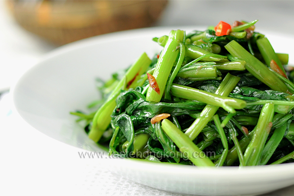 Wok-Fried Chinese Water Spinach with Anchovies, How to Do it Easily